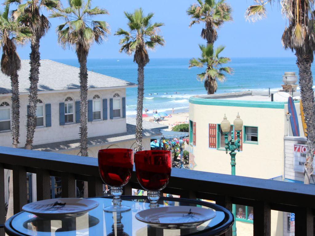 On The Ocean, Ocean View, Steps To Beach, Shops and Restaurants