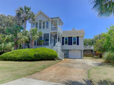 Recently Updated Family Beach House!  Short walk to the beach!  Partial OceanViews! $250 Vayk Gea...