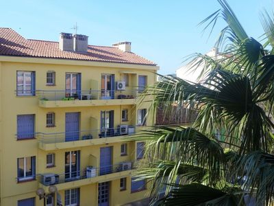 Photo for Apartment in the center of Le Lavandou with Internet, Washing machine, Air conditioning, Balcony (128101)