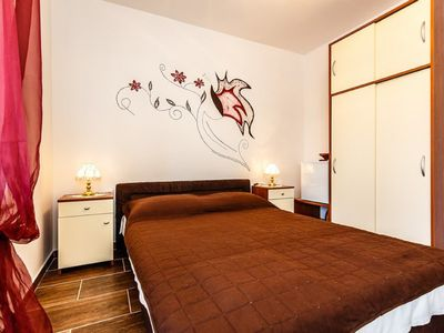 Photo for Very nice double room for 2 to 3 persons, 350 from the sea and center!