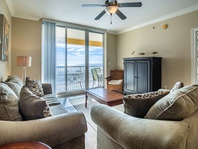 Photo for Pretty 2nd Floor Condo! Gulf Front, Sleeps 6, Nearby Shopping and Dinning!