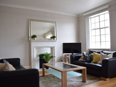 Photo for 2 Bedroom Flat Near Hyde Park