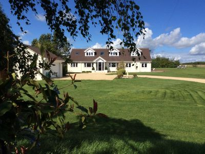 Photo for Stylish Contemporary 5 bed , 4 bathrooms house near Shaftesbury