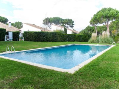 Photo for 2 bedroom Villa, sleeps 5 with Pool and Walk to Beach & Shops