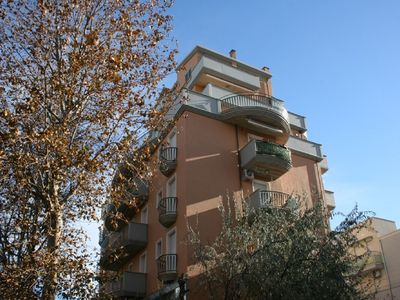 Photo for Apartment in quiet central area, 150m from the sea