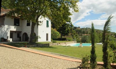 Photo for Villa on the Tuscan hills near Florence