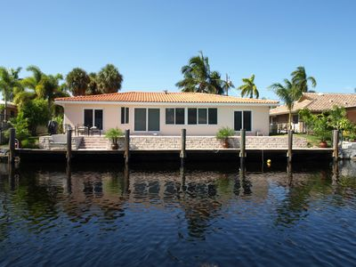 Photo for Rent A Peaceful And Spacious Family-friendly Waterfront House Near Miami