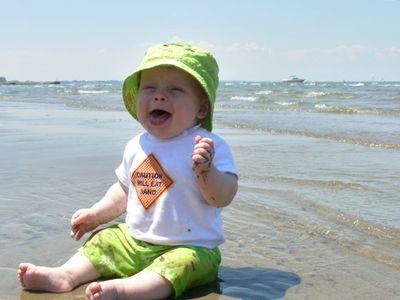Beach...don't ya just love the caption on the shirt!  Come and enjoy Lake Erie.