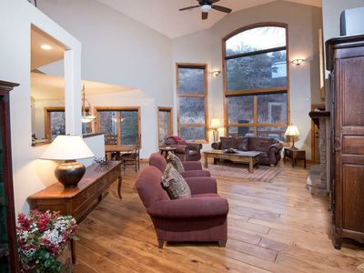 Photo for Beautiful 5 Bedroom Unit in Arrowhead