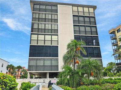 Photo for Gorgeous Gulf Front Naples Condo completely renovated with sweeping views!