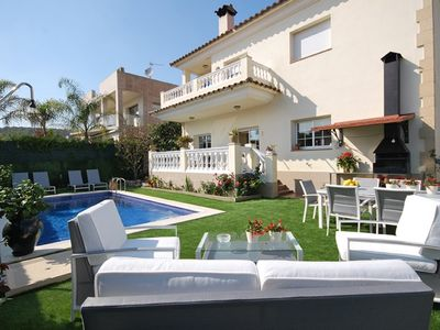 Photo for Club Villamar -  Gorgeous 8-person holiday villa with private pool. Located in a neighbourhood of...