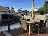 Resort style house centrally located w/ Zen backyard and putting green
