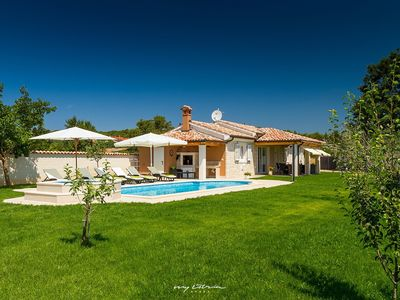 Photo for Beautiful modern villa just outside Pula