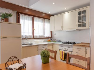 Photo for MUNDAKA HOME E-BI 260, With Good Access, Kitchen / Lounge / 2Hab. WIFI, PARKING.