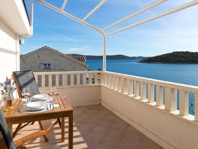 Photo for Amazing 1-bedroom SEASIDE Apartment, only 25 minutes from Split Airport. Apt.No4