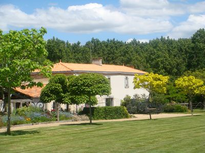 Photo for Bed and Breakfast with heated pool 20 minutes from Les Sables d'Olonne