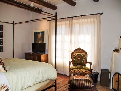 Photo for Casa Los Dos - 5 Beds A Block To Canyon Rd!