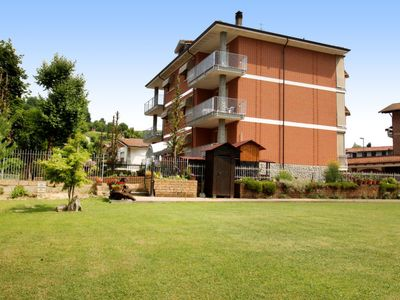 Photo for Apartment Le Betulle  in Cisterna d'Asti, Piemonte - Langhe & Monferrato - 5 persons, 2 bedrooms