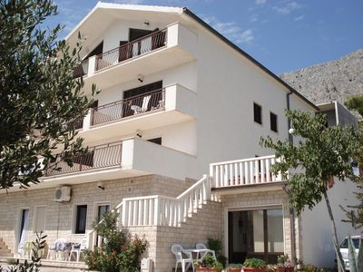 Photo for Two bedroom apartment with air-conditioning Lokva Rogoznica (Omiš)