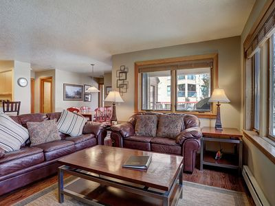 Photo for Updated 2 Bedroom Condo in Amazing Location