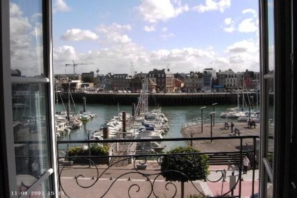 View on Dieppe harbour, south facing, quiet, south oriented, beach nearby