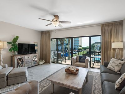 Photo for Spacious Gulf Side Condo ~ Convenient to beach, pool and shopping!