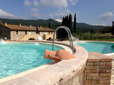 Photo for Two bedroom apartment with garden and pool near Pisa and Volterra