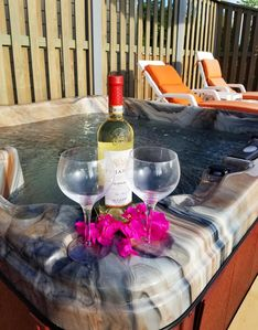 Jacuzzi tub was installed in December 2018. Perfect for wine under the stars.