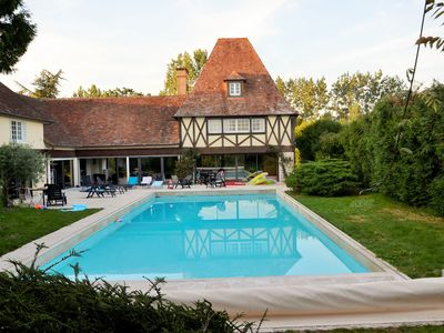 Photo for Holiday house with swimming pool and spa, near Zoo de la Flèche