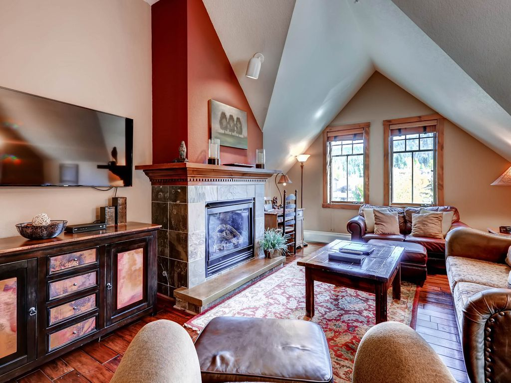 spacious and luxurious condo close in town vrbo