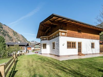 Photo for Luxury Holiday Home in Rauris with Garden