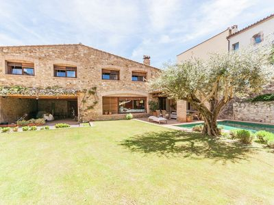 Photo for Traditional restored house with private swimming pool in Sant Pere Pescador