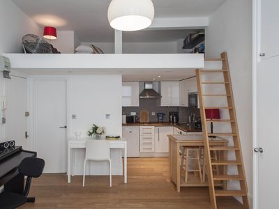 Photo for Stunning Pied de Terre near famous Portobello Road