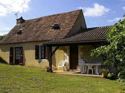 Photo for Vacation home Le Champ du Lac  in Cazals, Lot - 5 persons, 2 bedrooms