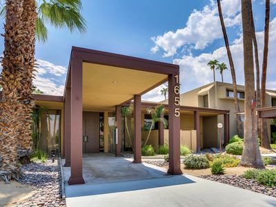 Photo for Stunning Palm Springs 1 Bedroom 1 Bath Condo