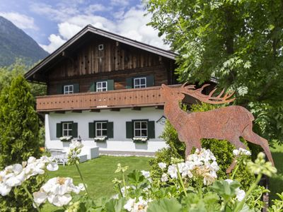 Photo for Chalet, 15 minutes from Salzburg, largegarden, BBQ, bikes, fireplace & hot tub