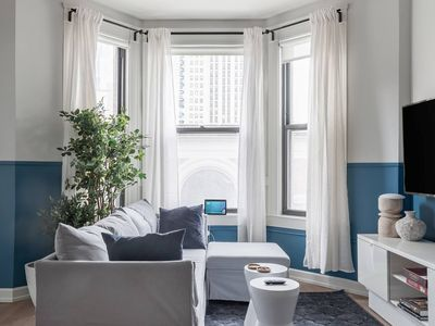 Photo for Bush305 · Classical Harmony - Exclusive City Hideaway in River North