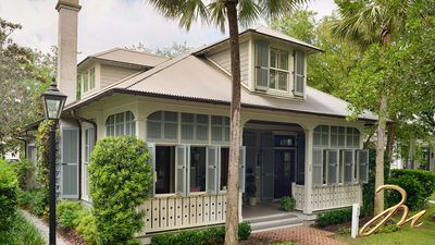 Photo for Montage  Beautifully Decorated Cozy Outdoor Space FULL AMENITIES Palmetto Bluff