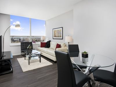 Photo for Downtown Chicago Rental For FLWs - Near Hospitals