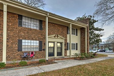 Located just minutes from UNC, this townhouse is close to all of the action!