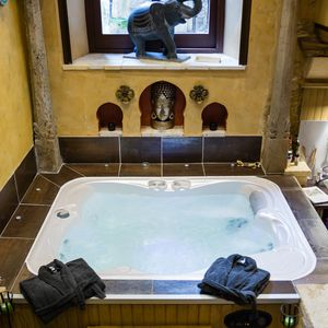 Photo for Private Jacuzzi & Sauna - Historic and medieval city center Sarlat la Canéda