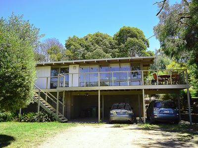 Photo for Grevillea Beach House - Close to Shops, Restaurants & Cafes