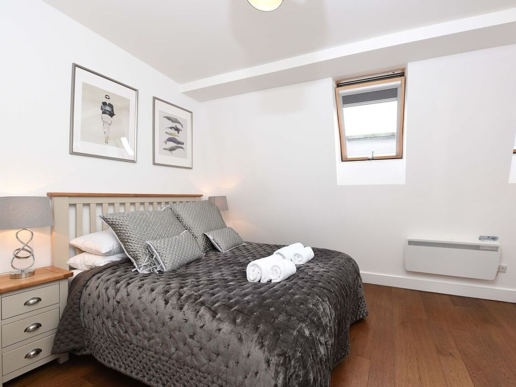 Falcon Apartments Battersea London Deluxe Two Bedroom Apartment