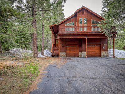 Photo for Spacious cabin with shared pools/hot tubs - near skiing, hiking & biking!