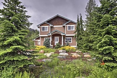 Unwind in this 3-bedroom, 2.5-bathroom vacation rental home in Snoqualmie Pass.