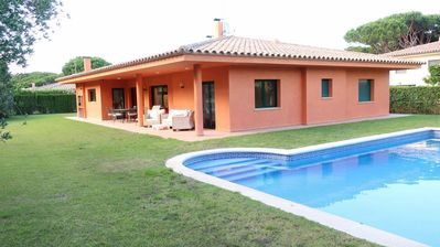 Photo for DISTRIBUTION: Living - dining room with access to the terrace and private swimming pool wi