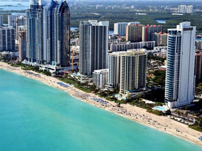 Photo for Apartment in the center of Sunny Isles Beach with Internet, Pool, Air conditioning, Lift (131009)