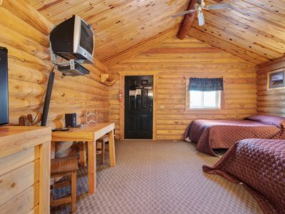 Photo for Cozy log cabin w/a large front deck, Free WiFi, near sports courts