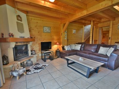 Photo for Stunning 4 bed half chalet for 8 with stunning views close to village!