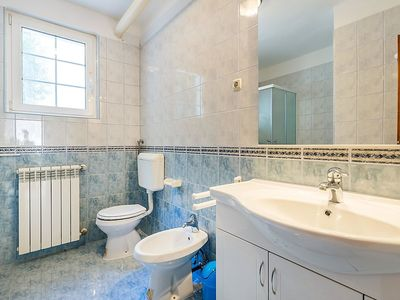 Photo for Apartment 806 m from the center of Pula with Internet, Air conditioning, Terrace (350894)